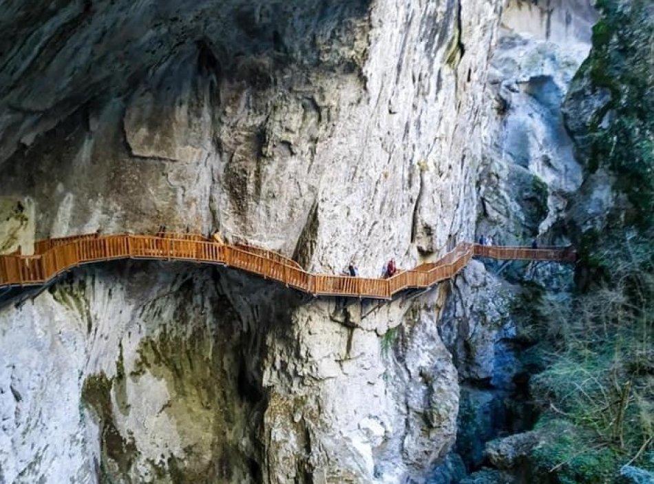 Horma Kanyonu - Ilıca Şelalesi Arasına Yürüyüş Yolu Yapıldı